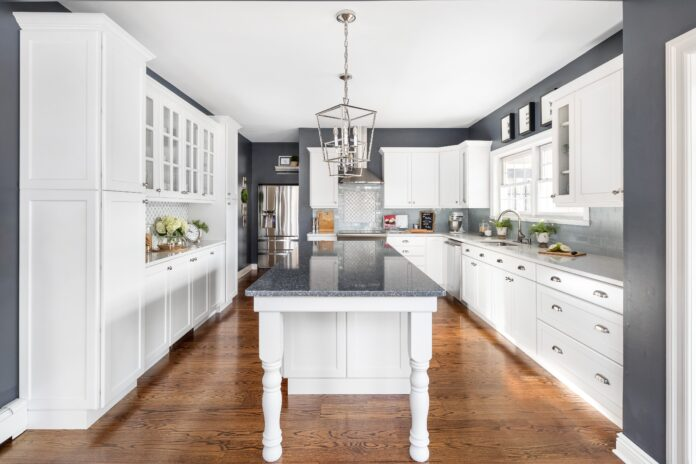 Countertop Styles to Match Your Kitchen Cabinets