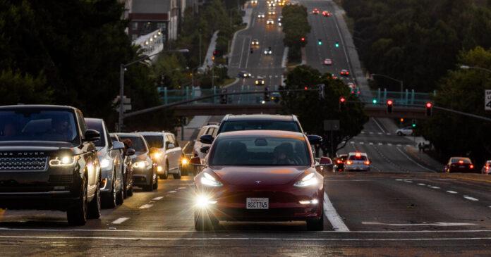 Tesla Under Scrutiny Over Lack of Recall After Autopilot Update